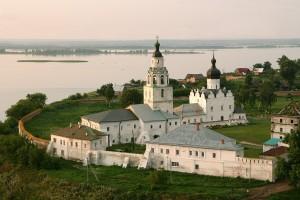 Tury v Kazan. Hram na ostrove Sviyazhsk. PIONER-TUR.